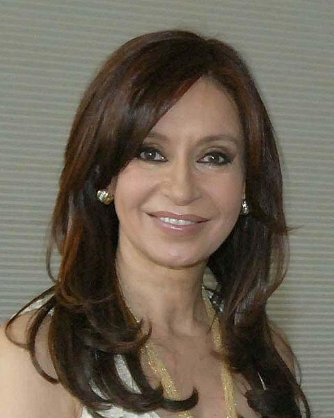 <b>Cristina Fernandez</b> Qui il presidente sono io ha urlato - 480px-cristina_fernandez_de_kirchner_cropped_2007-04-25