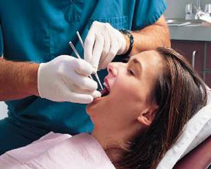 Sanità/ In Italia otturarsi i denti può far molto male