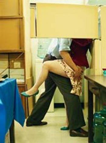Смотреть онлайн видео секса в офисе платно посмотрим