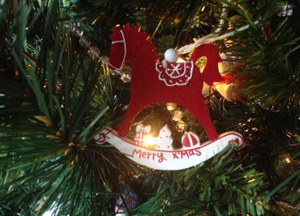 Case Di Campagna Addobbate Per Natale : A mimaonice arrivano i vip del grande fratello per la campagna