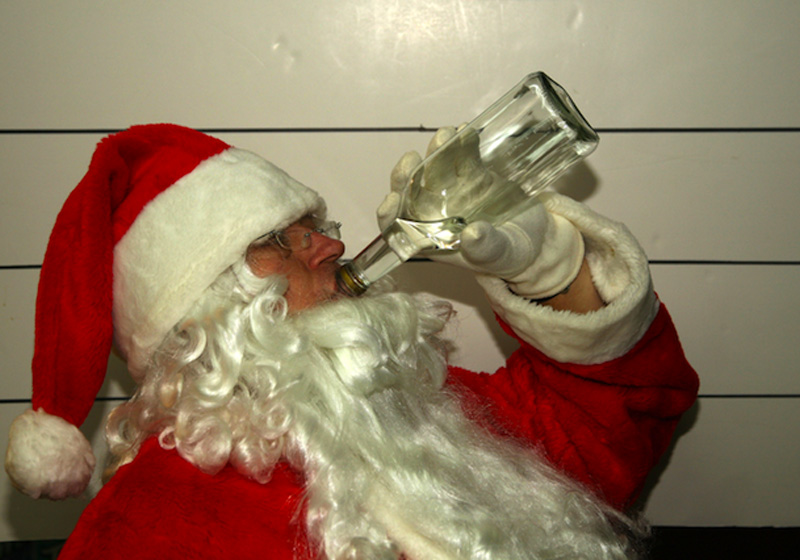 Babbo Natale Ubriaco.Roma Babbo Natale Guadagna 150 Euro Al Giorno 1800 Per 12 Giorni