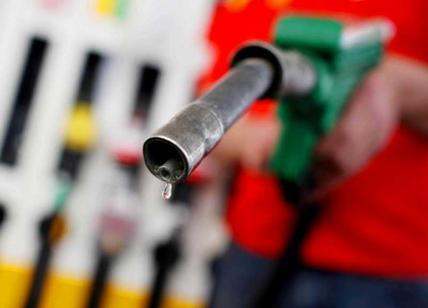 Benzina a prezzi pazzi. Al Casilino 1,529; a Termini 1,679 un litro di super