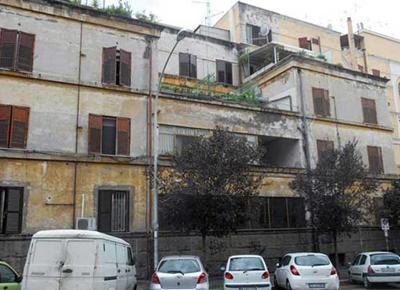 Milano: sesso in cambio di case, arrestato funzionario Comune Rescaldina