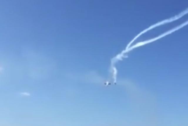 Algeria: aereo militare precipita su autostrada, almeno 100 morti