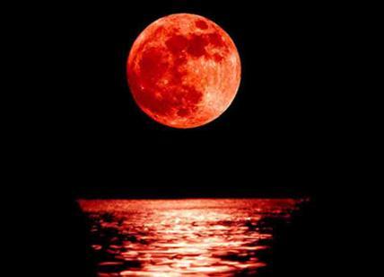 d5ae37b573 Eclissi di luna: come vedere l'eclissi lunare più lunga del secolo ...