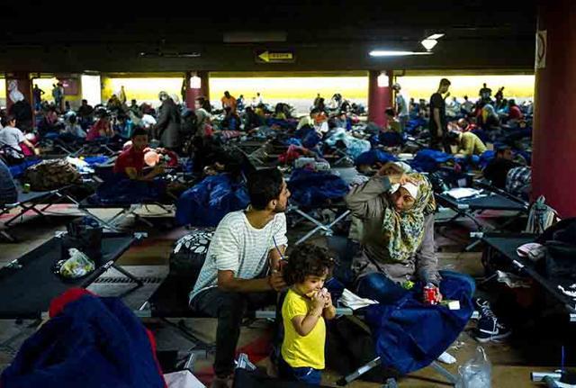 Migranti: polizia smantella organizzazione di
