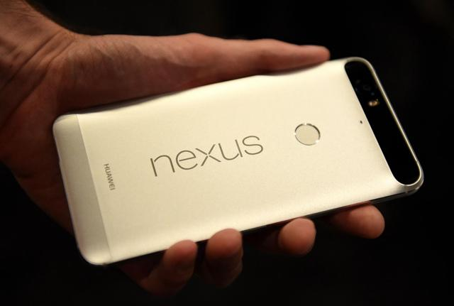 Huawei lancia smartphone P20, punta tutto sulle foto