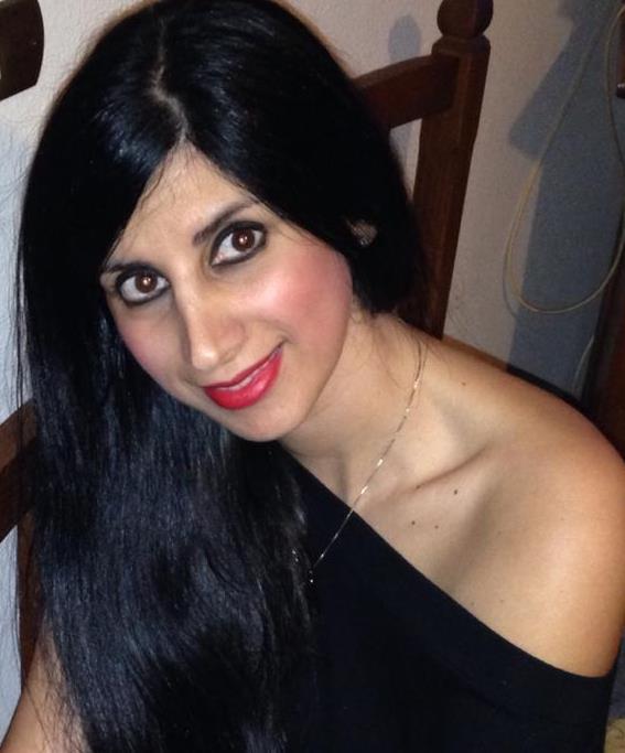 Valentina Perrone nasce a San Pietro Vernotico (Br) nel 1980; vive tra Guagnano e Salice Salentino (Le). Laureata in Pedagogia dell'Infanzia e in Scienze ... - perrone-valentina