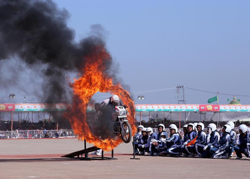 Giochi di acrobazie in moto