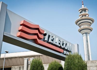 Vivendi controllo su Telecom, ok (condizionato) dalla Commissione Ue