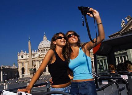 Tassa di soggiorno, turisti spennati e senza servizi. Roma è la più ...
