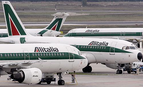 Sciopero Alitalia: cancellati oltre 200 voli