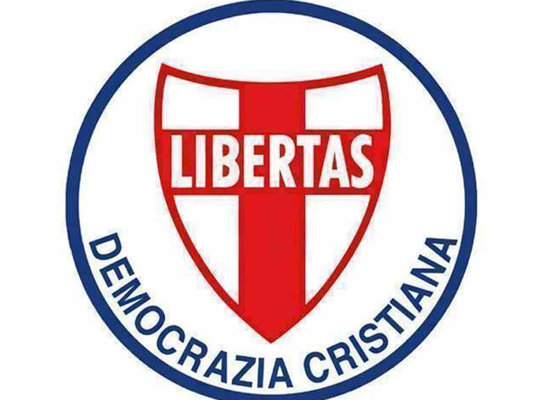 [IMG]http://www.affaritaliani.it/static/upl2015/demo/democrazia-cristiana.jpg[/IMG]