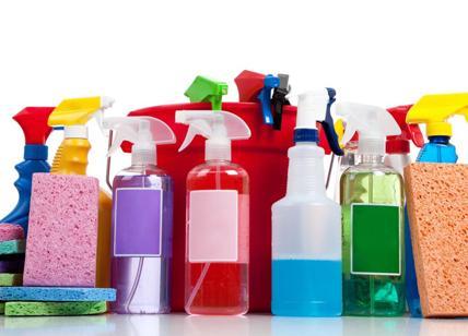 Prodotti e detergenti per pulizie dannosi come 20 sigarette al ...