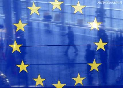 Europa, ti vogliono morta: resuscita gli eroi. La poesia di Lidia Sella