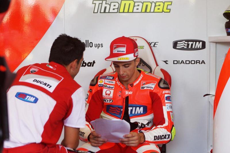 """MotoGp, Iannone ha l'ok dei medici: il pilota Ducati può correre ad Aragon. """"Mi fa male la schiena se.."""", parla Iannone"""