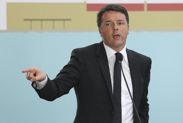Renzi con i candidati Pd a S. Anna per l'anagrafe antifascista