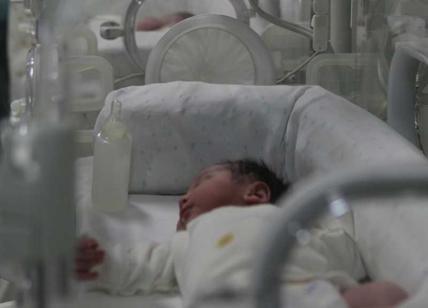 Nato il primo bambino con il dna di tre genitori