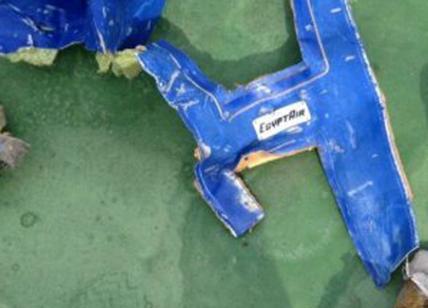 Volo EgyptAir 804: tracce di esplosivo su resti delle vittime