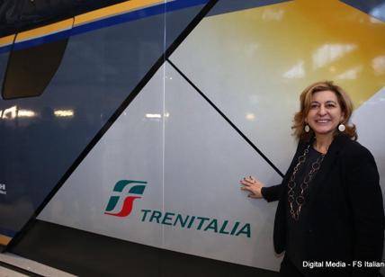 Hitachi per Trenitalia, svelato a Pistoia il modello del treno 'Rock'