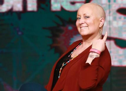 Carolyn Smith lotta contro il cancro: