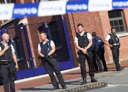 Belgio: rapina con Kalashnikov, autori in fuga