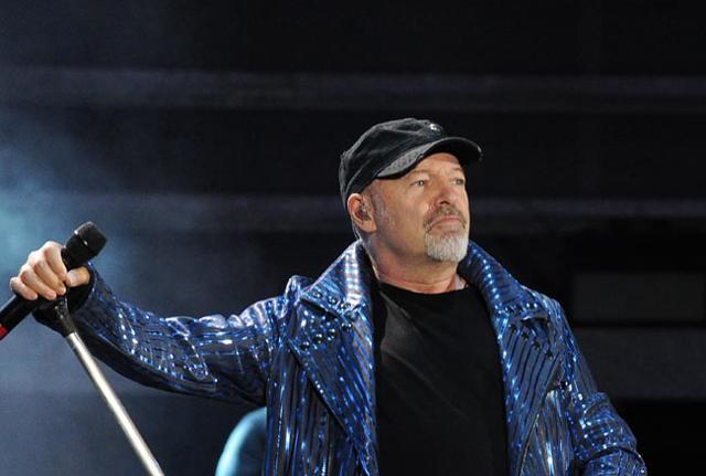 Musica, disco in uscita di Vasco Rossi e fake news anti-Salvini