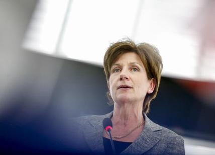 Lite fra eurodeputati Ukip, Woolfe colpito, dramma sfiorato