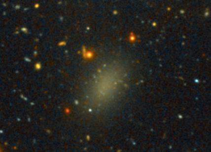 Dragonfly 44, galassia composta da Materia Oscura. Giallo nel cosmo