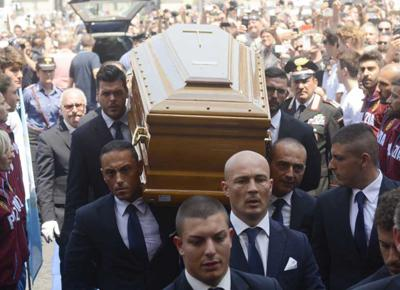 funerali bud spencer 01