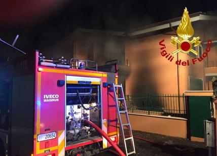 Milano, a fuoco deposito rifiuti Bruzzano: odore soffocante in tutta la città
