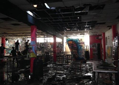"""Dopo l'incendio che ha distrutto la sede, il centro sociale Lambretta accusa: """"Non è stato un incidente"""""""