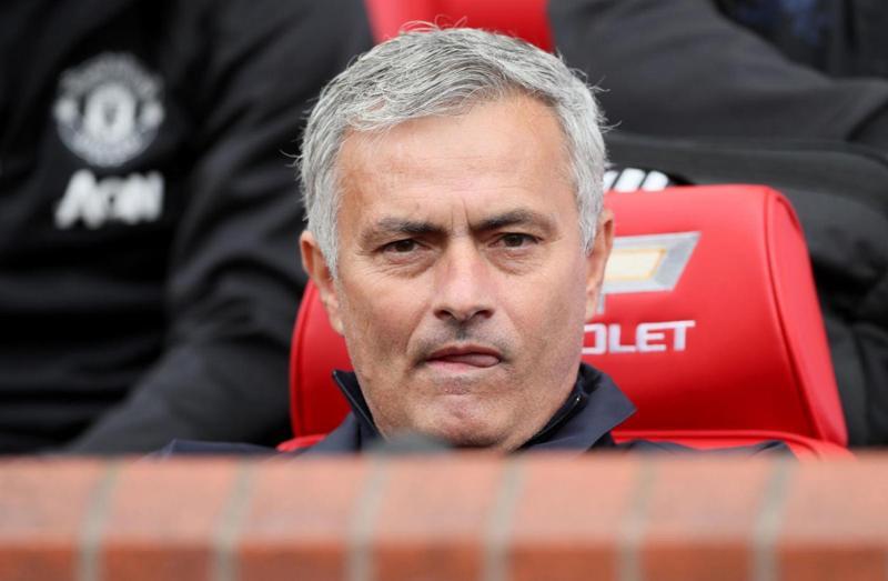 """Mourinho: """"Un giorno troverò Wenger fuori da un campo di calcio e gli spaccherò la faccia"""". La frase choc in un libro"""