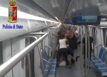 Roma, aggressione in metro: il video del pestaggio