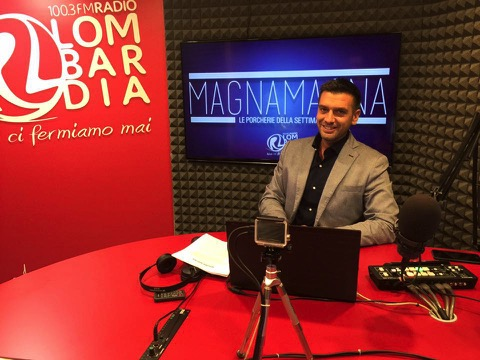 """Poletti torna in radio. E lo fa su Radio Lombardia con la trasmissione """"Magna Magna, le porcherie della settimana"""""""
