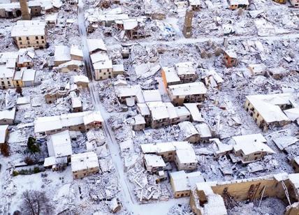 Pescara, hotel travolto da slavina, molti feriti e alcuni dispersi