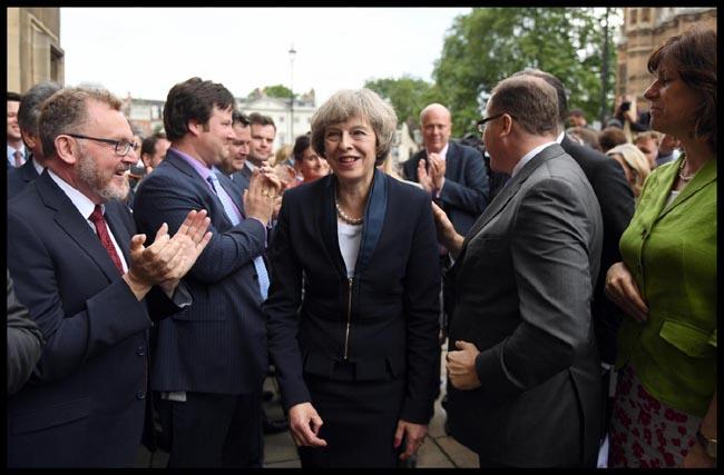Philip Hammond nuovo cancelliere allo Scacchiere: Brexit,