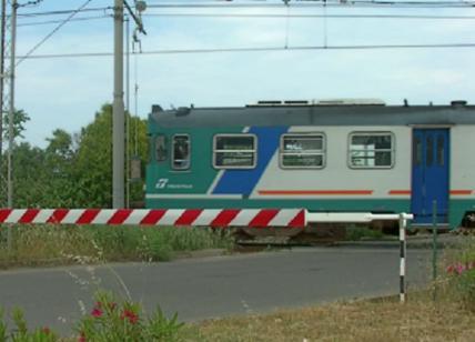 Muore investito da un treno a Brandizzo, bloccata la linea Torino-Milano
