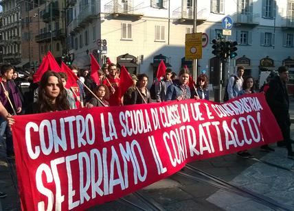 Studenti Medi in corteo a Palermo contro la