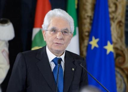 Mattarella, serve pace nelle istituzioni
