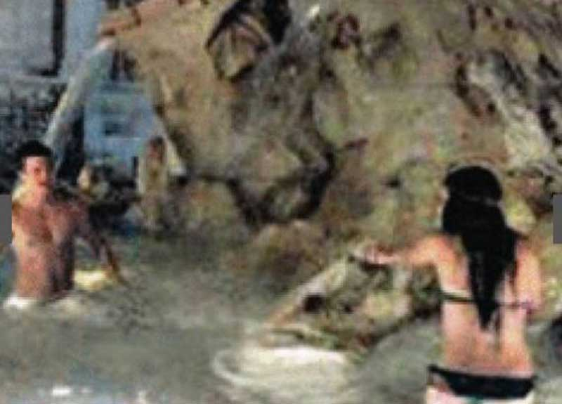 Bagno Nella Fontana Di Trevi.Sesso Sul Marciapiede A Piazza Indipendenza Bagno Hot Nella
