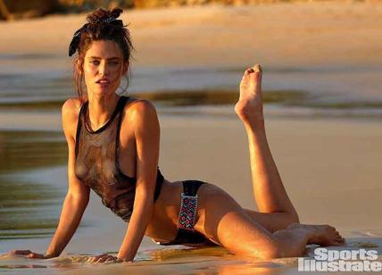 Bianca Balti, topless da urlo. Moda bikini per Sports Illustrated. Foto