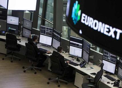 Euro: vola sopra 1,09 dollari poi frena dopo affermazione Macron