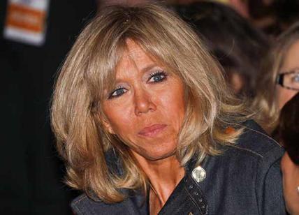 Brigitte mette nei guai Macron petizione per toglierle stipendio e staff