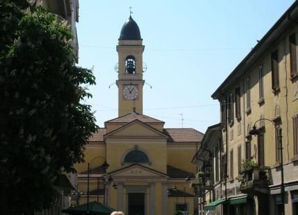 Falcone: scritta 'W mafia' su marciapiede a Corsico