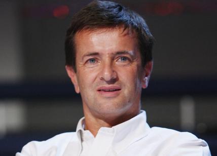 Pd, Renzi: Vera priorità lavoro, giù tasse e meno burocrazia