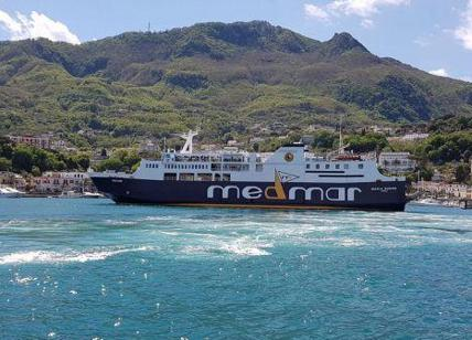 Isola Ischia, nave urta banchina, 29 feriti lievi