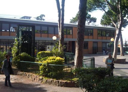 Roma: professore liceo Massimo abusa di studentessa 15enne, arrestato