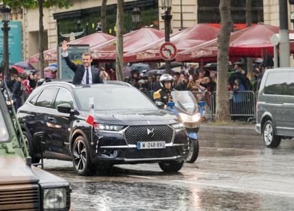 DS 7 Crossback è l'auto del Presidente Emmanuel Macron