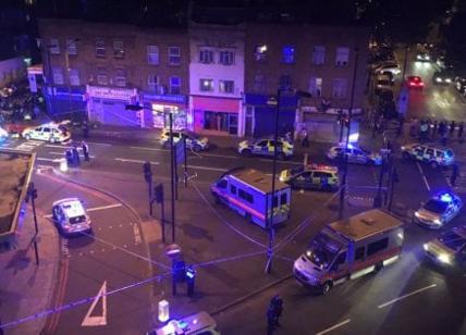 Londra, van su fedeli Islam, il sindaco Khan: